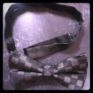 CHECKERS MATTE BOWTIE.